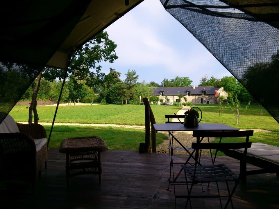 Vue du parc depuis la tente Safari La Maison Joulin