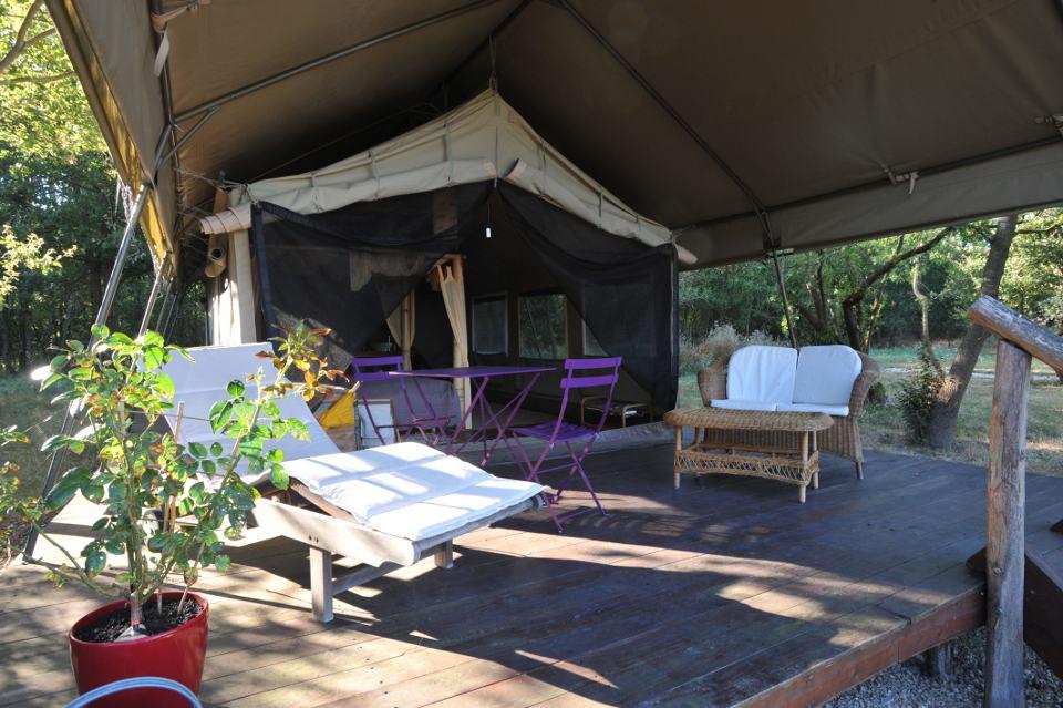 Terrasse tente Safari Ecolodge La Maison Joulin